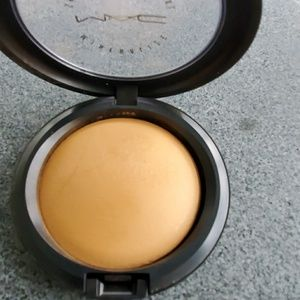 MAC Cosmetics Makeup - MAC Skinfinish Natural